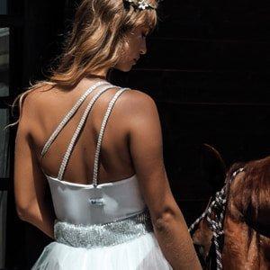 Kinda 3D Swimwear bridal swimwear bride to be swimsuit bachelorette party hen party white one shoulder swimsuit costume intero bianco monospalla white one piece bodysuit body bianco sposa damigelle costume addio al nubilato Paola Turani chiara ferragni calzedonia